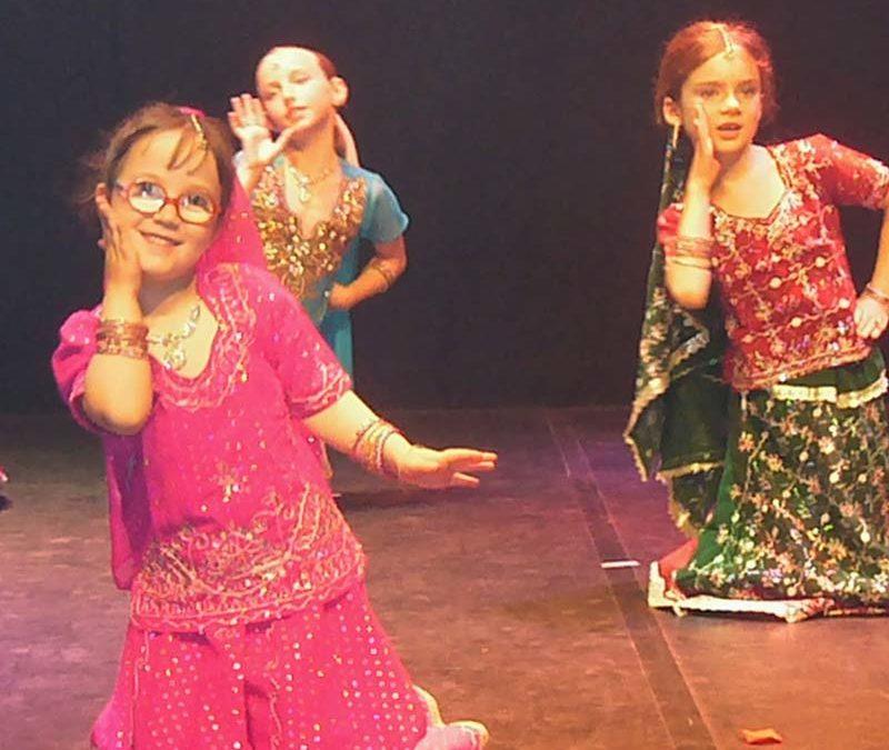 Intervention de danse indienne et de contes en centre de loisirs : Journée du 10 juilllet 2020