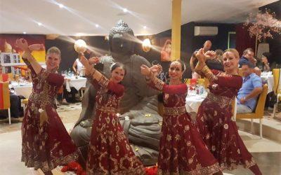 Repas, Concert de musique indienne et Spectacle